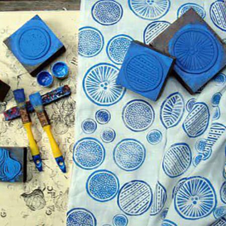طراحی و چاپ دستی پارچه
